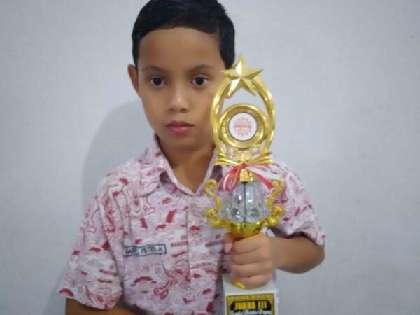 Juara 3 Festival melukis Payung Indonesia 2018 Candi Borobudur